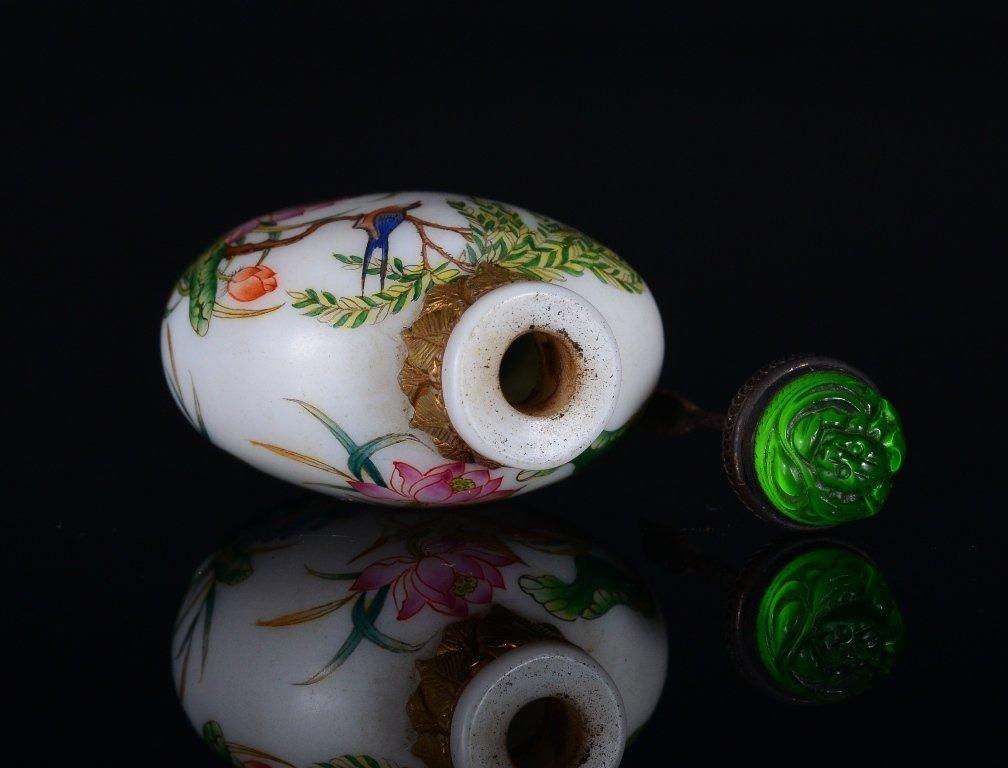 A PAINTED ENAMEL GLASS SNUFF BOTTLE - 5