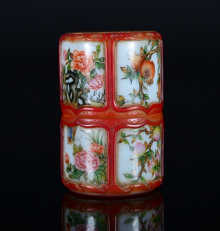 A PAINTED ENAMEL GLASS SNUFF BOTTLE AND COVER - 2