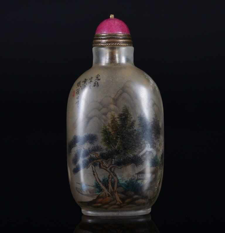 A PAINTED CRYSTAL SNUFF BOTTLE