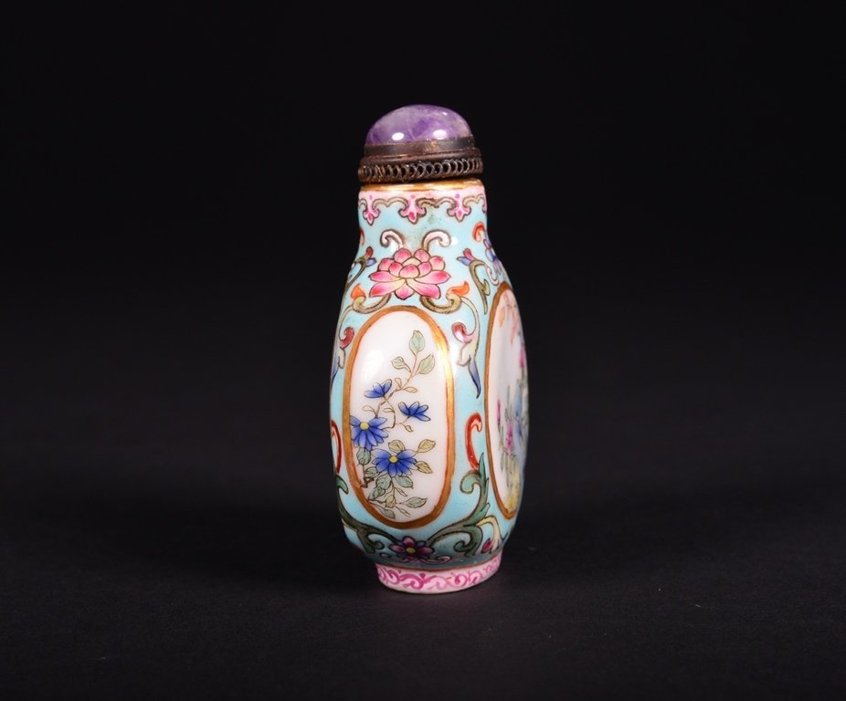 A FAMILLE-ROSE SNUFF BOTTLE - 4