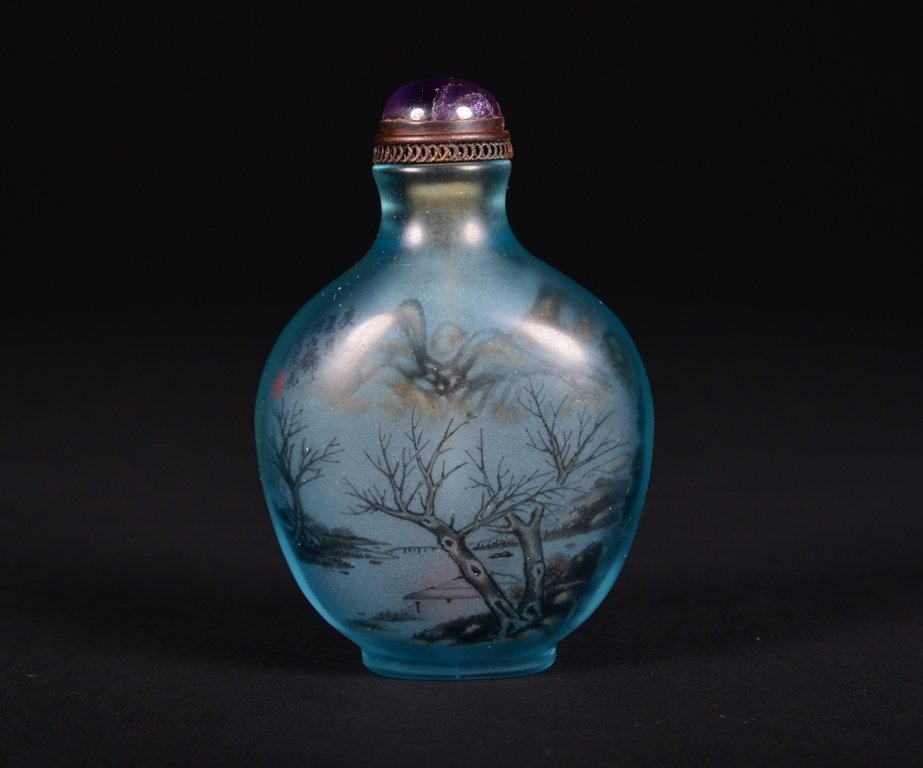 A PAINTED GLASS SNUFF BOTTLE