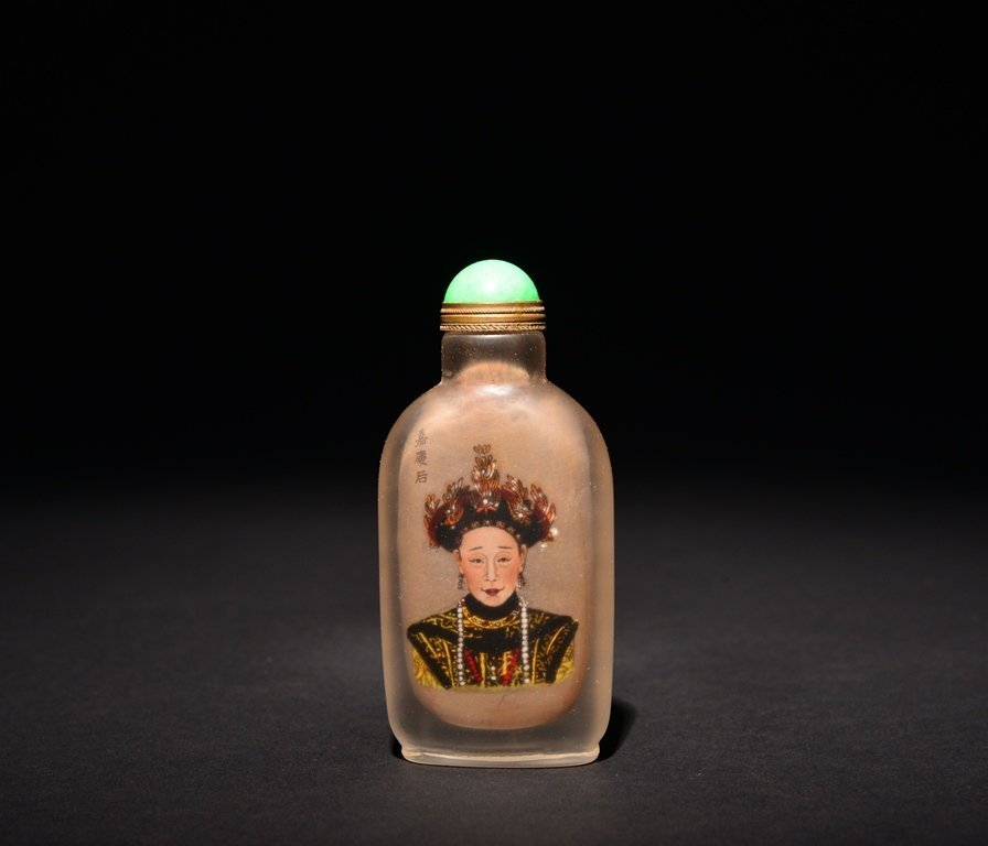 A INSIDE-PAINTED GLASS SNUFF BOTTLE