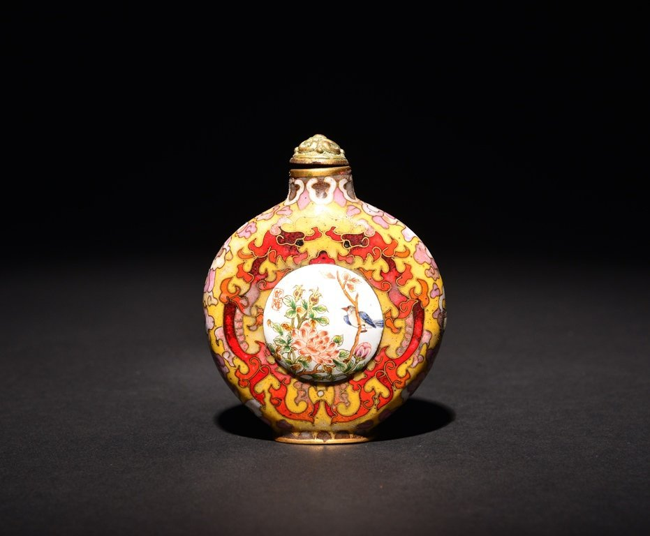 A CLOISONNE- ENAMEL GILT-BRONZE SNUFF BOTTLE