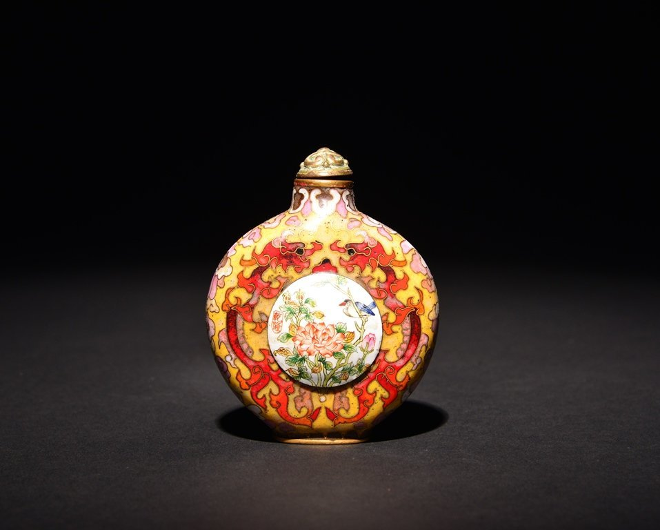 A CLOISONNE- ENAMEL GILT-BRONZE SNUFF BOTTLE - 2