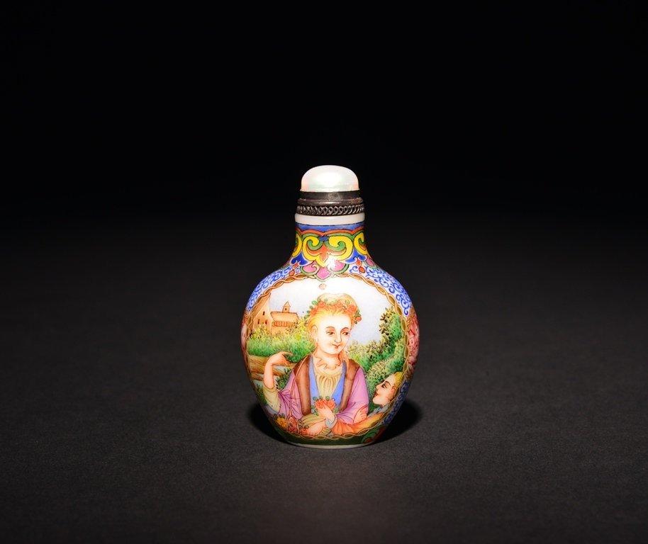A PAINTED ENAMEL 'EUROPEAN LADY' WHITE GLASS SNUFF
