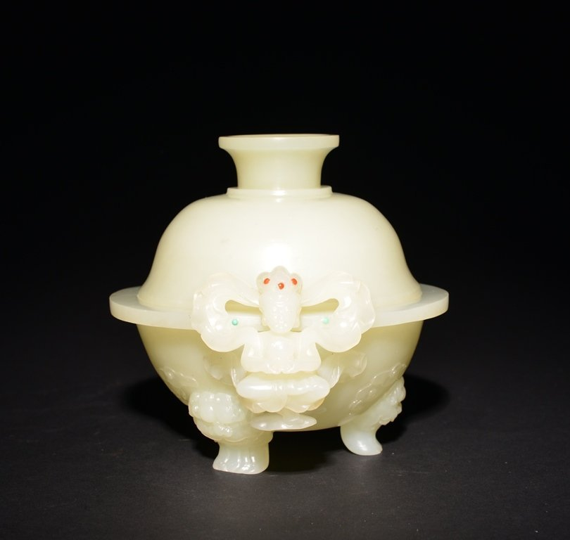 A CARVED WHITE JADE CENSER AND COVER - 3