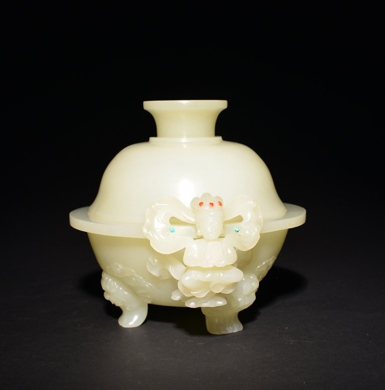 A CARVED WHITE JADE CENSER AND COVER - 4