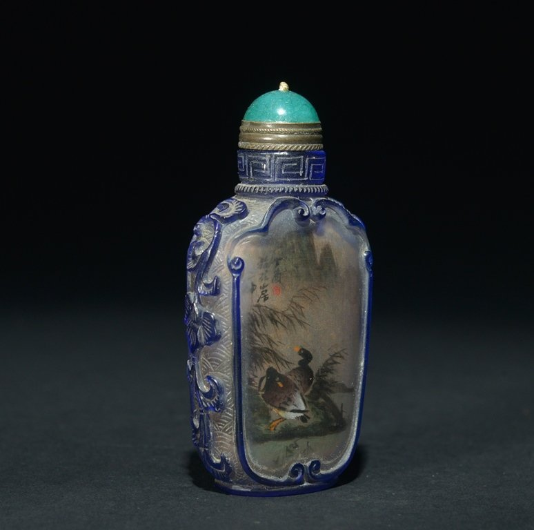 A BLUE-OVERLAY INSIDE-PAINTED GLASS SNUFF BOTTLE - 2