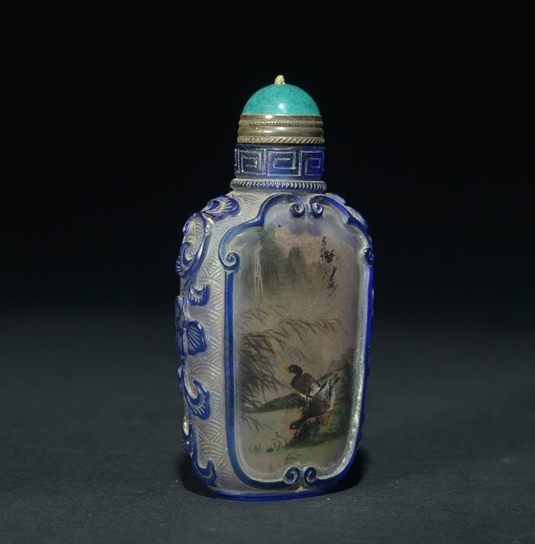 A BLUE-OVERLAY INSIDE-PAINTED GLASS SNUFF BOTTLE - 3