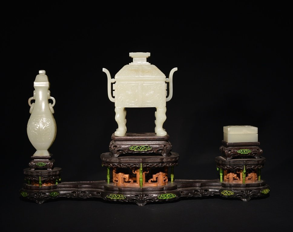 A SET OF THREE CARVED WHITE JADE CENSER,VASE AND BOX