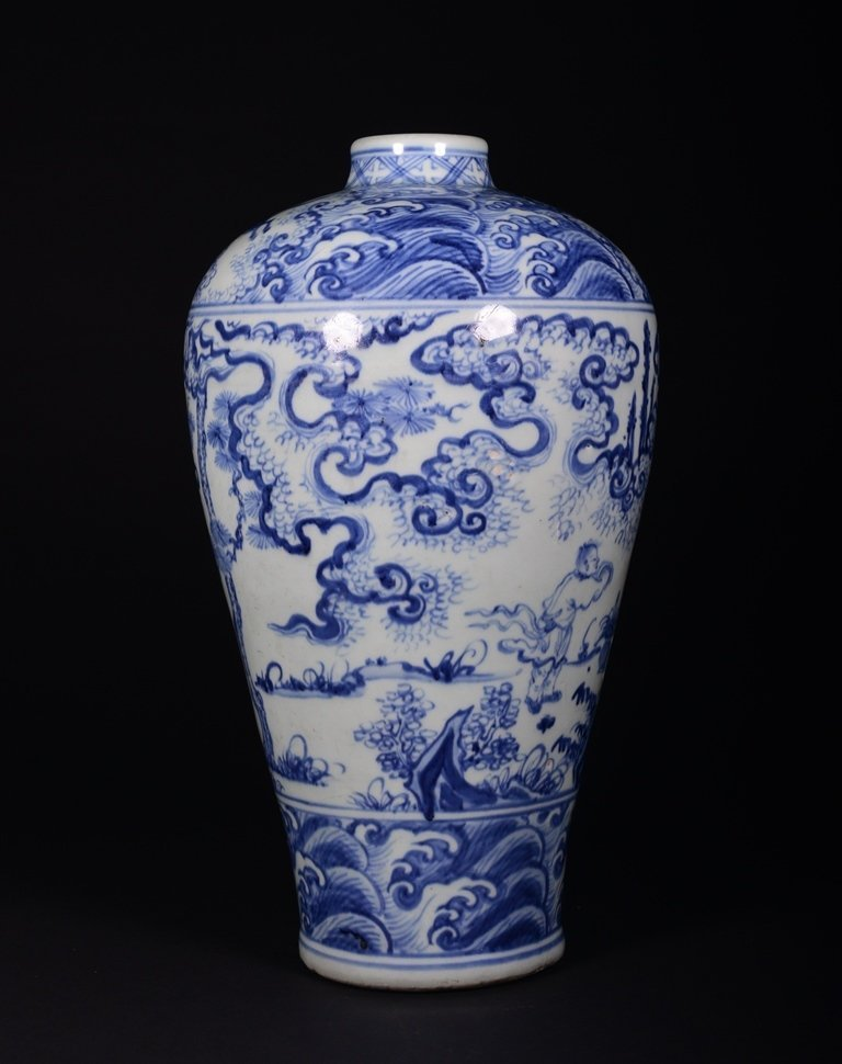A BLUE AND WHITE MEIPING - 3