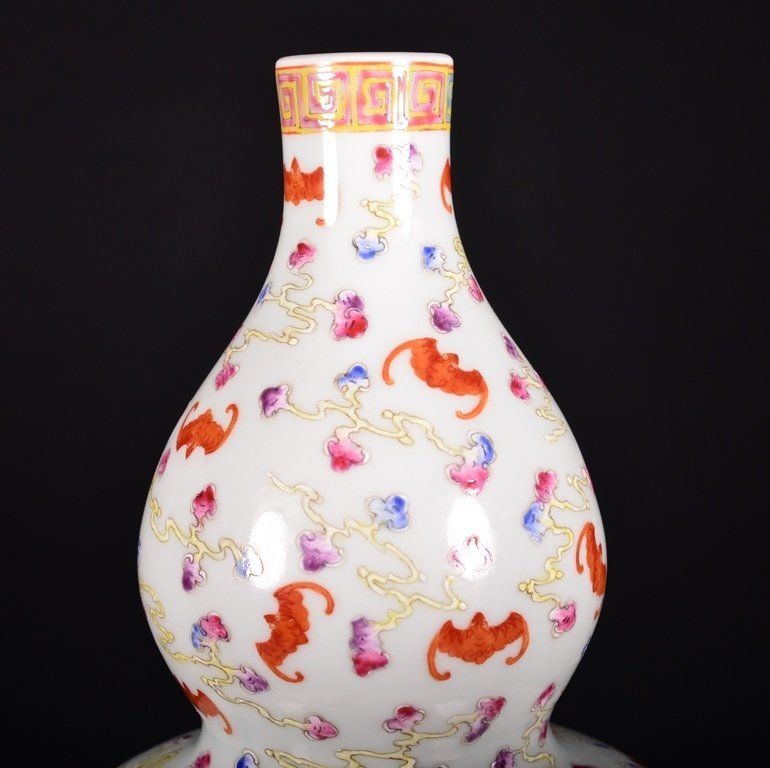 A FAMILLE-ROSE DOUBLE-GOURD VASE - 4
