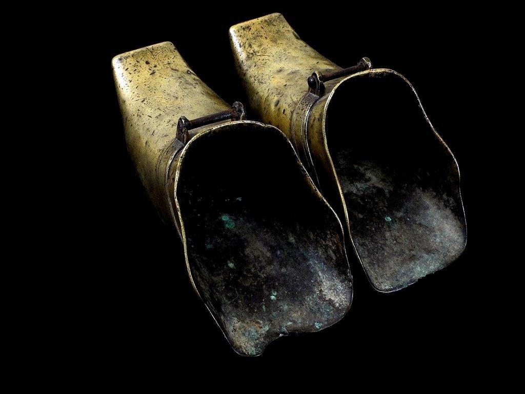 CJINESE BRASS STIRRUPS, 18th CEN. - 2
