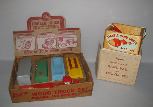 5: TWO BOXED KEYSTONE TOYS