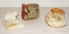15: THREE CARVED SOAPSTONE ITEMS WITH ANIMALS