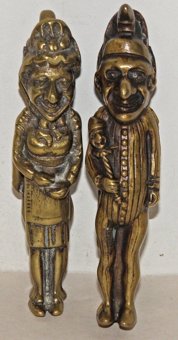 196: A PAIR OF CAST BRASS PUNCH & JUDY NUT CRACKERS