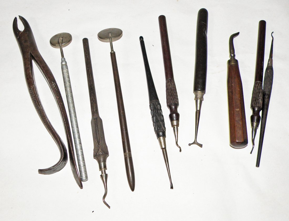 243: ANTIQUE MEDICAL INSTRUMENTS