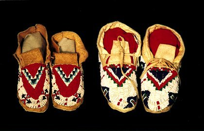 1: 2 Pair of Beaded Sioux Moccasins White, re