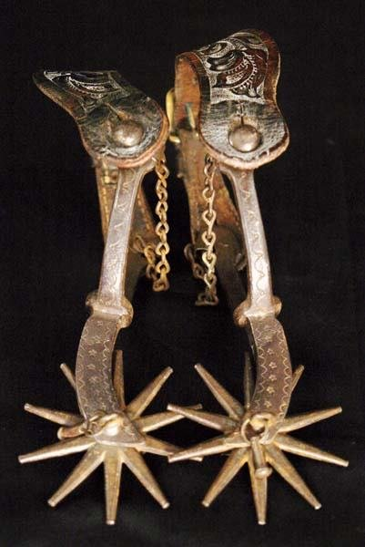 6: Unmarked Jingle-Bob Spurs