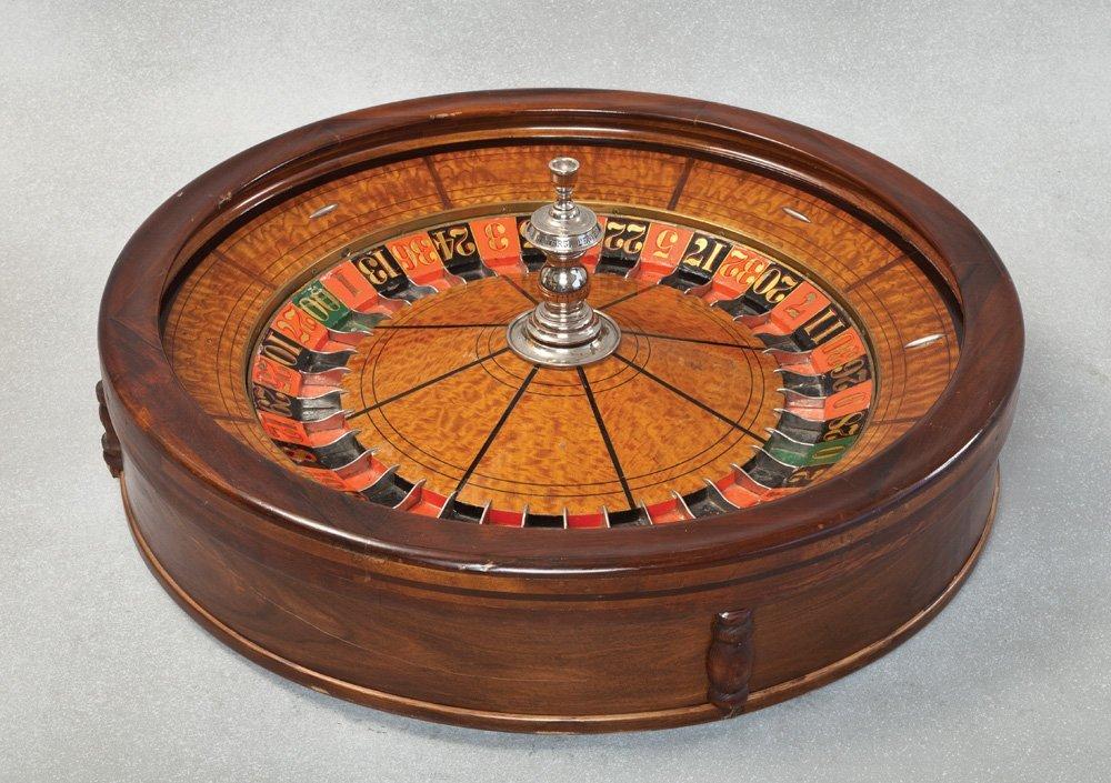 23: Full Size Saloon Roulette Wheel