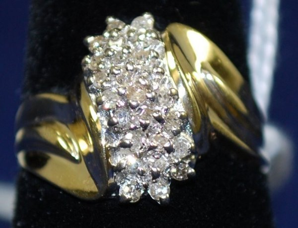 18: 14KT Y.G PAVE DIAMOND RING