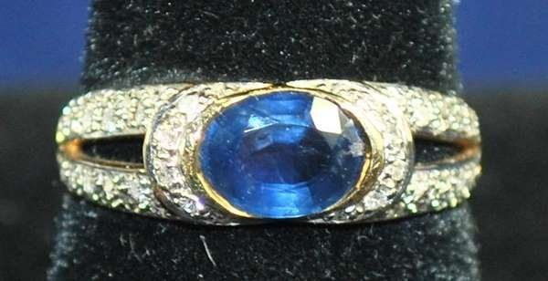 2: 18KT Y.G. SAPPHIRE AND DIAMOND RING