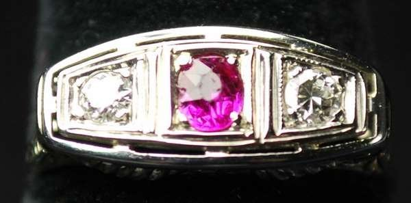 20: 18KT W.G. ART DECO RUBY AND DIAMOND RING