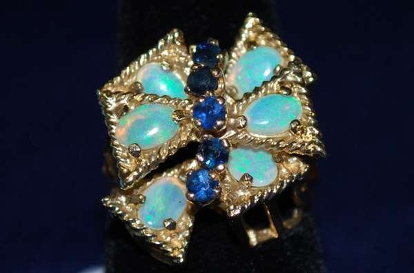 12: 14KT Y.G. SAPPHIRE AND OPAL RING