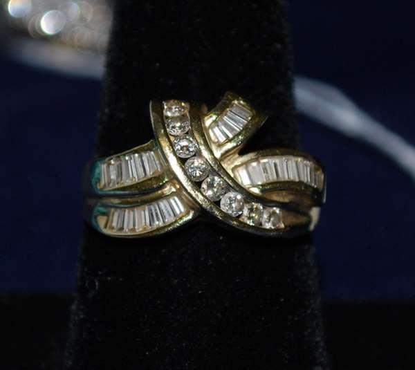 13: 14KT Y.G. DIAMOND BOW RING 1.00CT