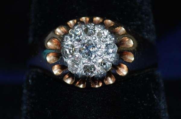 16: 14KT P.G. MENS DIAMOND CLUSTER RING 1900'S