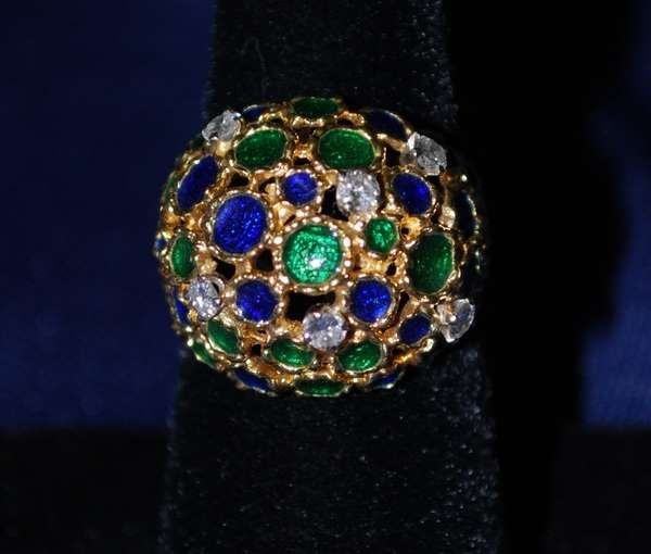 12: 18KT Y.G. ENAMEL AND DIAMOND RING .25CT