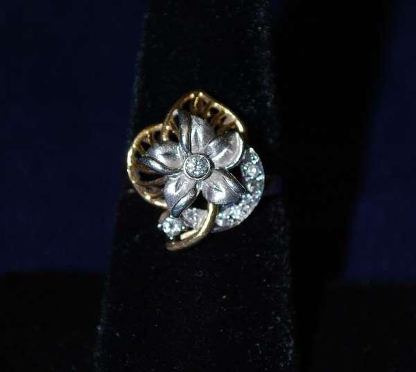 104: 14KT 2 TONE DIAMOND BOW RING  .40CT