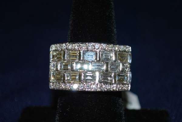 118: 18KT W.G. 5.00CT DIAMOND RING NEW