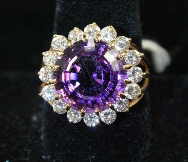 120: 18KT W.G. AMETYST AND DIAMOND RING 10.50CT