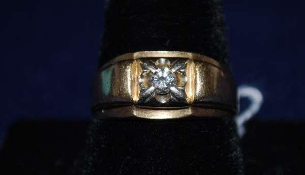 6: 14KT Y.G. MENS ESTATE DIAMOND RING .15CT