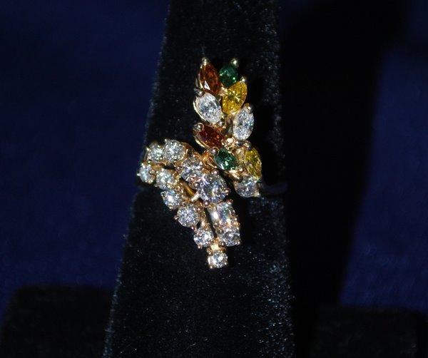 104: 14KT Y.G. MUTICOLOR DIAMOND RING 2.50CT