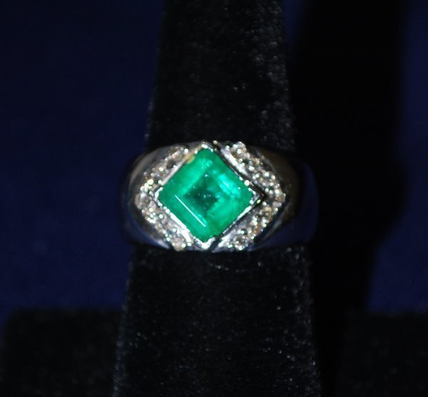17: 14KT W.G. 3.50CT EMERALD AND DIAMOND RING