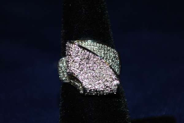 7: 14KT W.G. 1.00CT DIAMOND RING