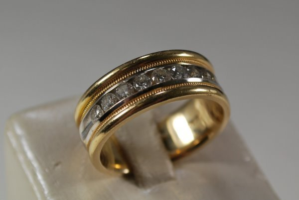 10: MENS 14KT 2 TONE 1.50CT DIAMOND BAND