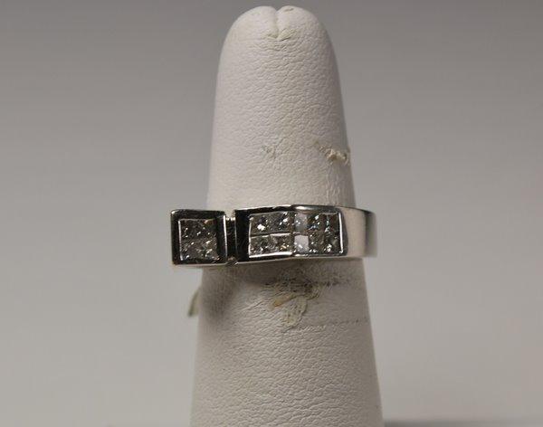 14: 14KT W.G. 1.00CT PRINCESS DIAMOND RING