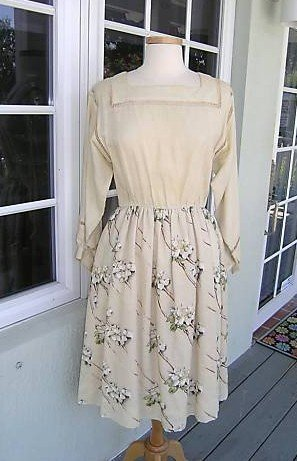 13: VINTAGE COUTURE VALENTINO DRESS 10