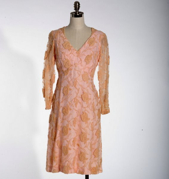 18: VINTAGE 1950'S PINK LACE DRESS