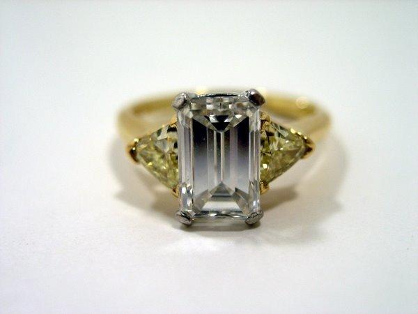9: 18KT/PLAT 2.53CT EMERALD DIAMOND RING
