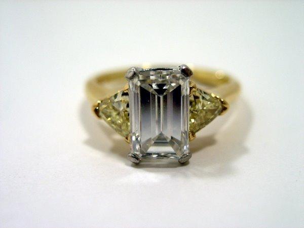 10: 18KT/PLAT 2.53CT EMERALD DIAMOND RING