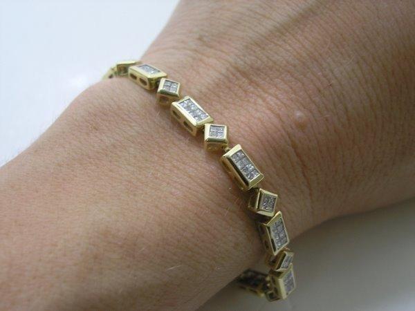 17: LADIES 14KT Y.G. 3.00CT DIAMOND BRACELET