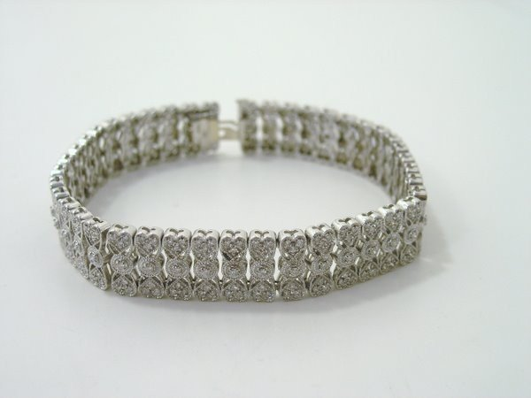 8: 14KT W.G. 3.00CT DIAMOND BRACELET