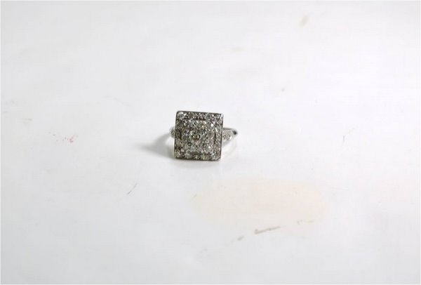 24: PLATINUM ART DECO 1.50CT DIAMPOND RING