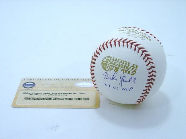 17: BOSTON RED SOX MIKE LOWELL BASEBALL