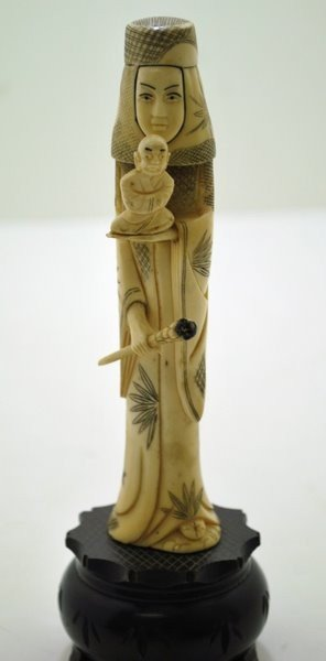 16: SMALL IVORY WOMAN WITH SCEPTER