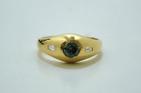 15: MENS 18KT Y.G. GREEN DIAMOND RING .60CT